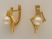 Золотые серьги с вставкой жемчуг