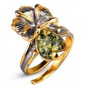 Серебряное кольцо с позолотой и янтарем