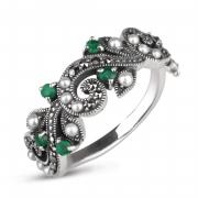 Серебряное кольцо c микрожемчугом, изумрудамии марказитами