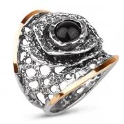 Серебряное кольцо Yaffo с ониксом и золотом