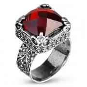 Серебряное кольцо Yaffo с фианитом цвета Гранат