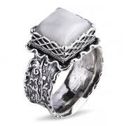 Серебряное кольцо Yaffo с лунным камнем