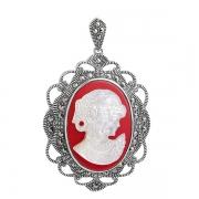 Серебряный кулон-камея с перламутром и марказитами