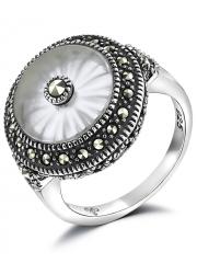Серебряное кольцо с кристаллом и марказитами