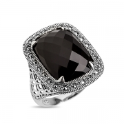 Серебряное кольцо с черным ониксом и марказитами Swarovski
