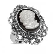 Серебряное кольцо-камея с перламутром и марказитами